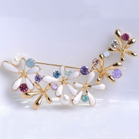 0206100316 Fashion Crystal Flower  Brooch 1 color